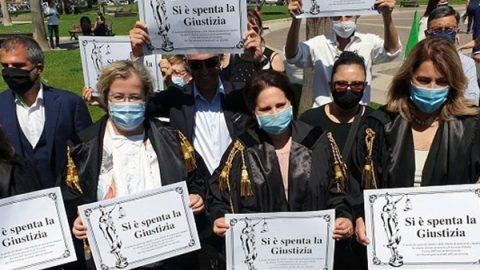 protesta avvocati