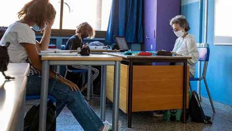 scuola aula studenti